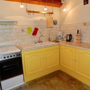 The kitchen of la Clède holiday cottage