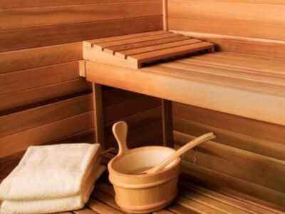 Sauna and jacuzzi
