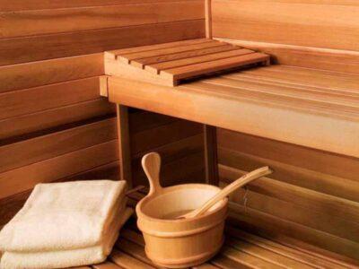 Sauna und Jacuzzi