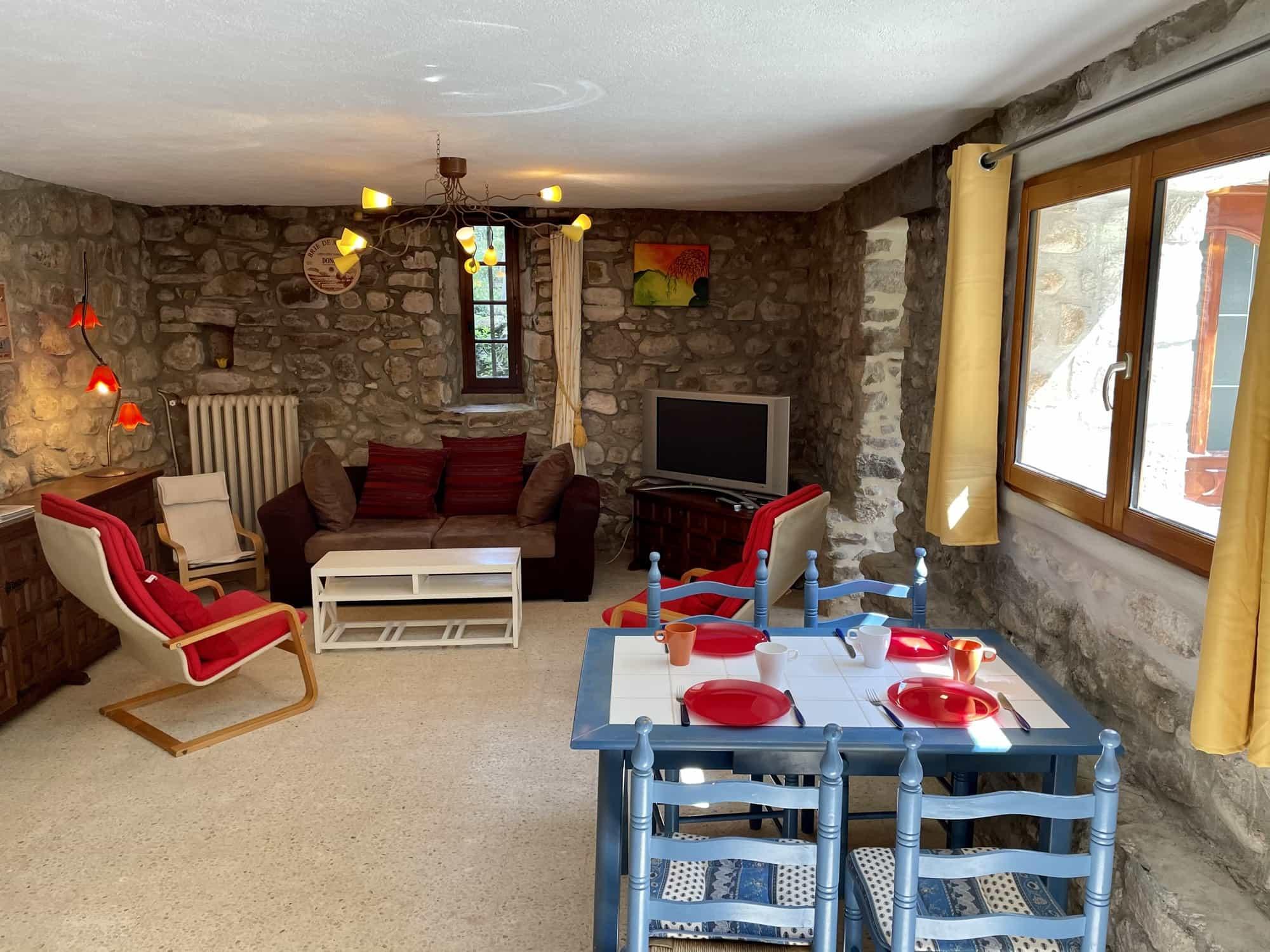 Gîte du Moulin woonkamer met raam